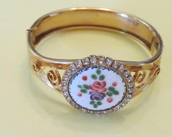 Victorian Revival Glass Flower Designed Bracelet with Rhinestones ~ Gold Tone