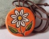 Ceramic Pottery Daisy Flower Pendant, Orange Jewellery, Daisy Jewelry, Summer Jewelry, Spring Jewelry, Nature Jewelry, Orange Pendant