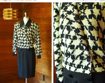 20% OFF FALL SALE / vintage St. John Marie Gray black and beige houndstooth knit sweater set / size medium large