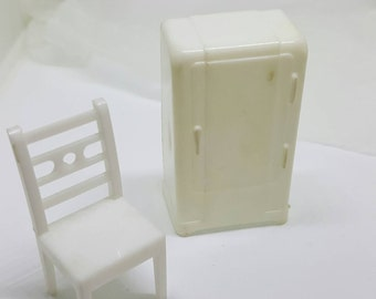 Allied Kitchen  pure  White hard Plastic Dollhouse Traditional Style Chair and Fridge