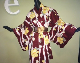 Vintage Japanese Kimono Asian Rockabilly Bombshell Bathrobe Robe Dressing Gown Maroon Yellow Floral Flowers Size Large or OS One Size
