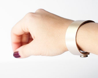 Leather Bracelet / Slim Cuff / Platinum