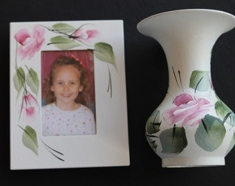 Vintage metal picture frame and vase White with pink roses