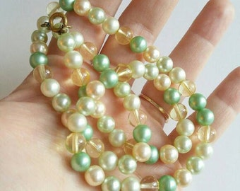 Vtg pastel faux pearls necklace green peach