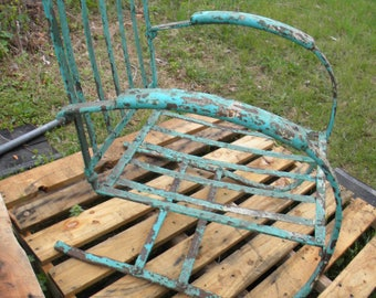 good solid shape vintage 1960s IRON BOUNCY bounce spring cantilever lawn patio outdoor chair   pick up only
