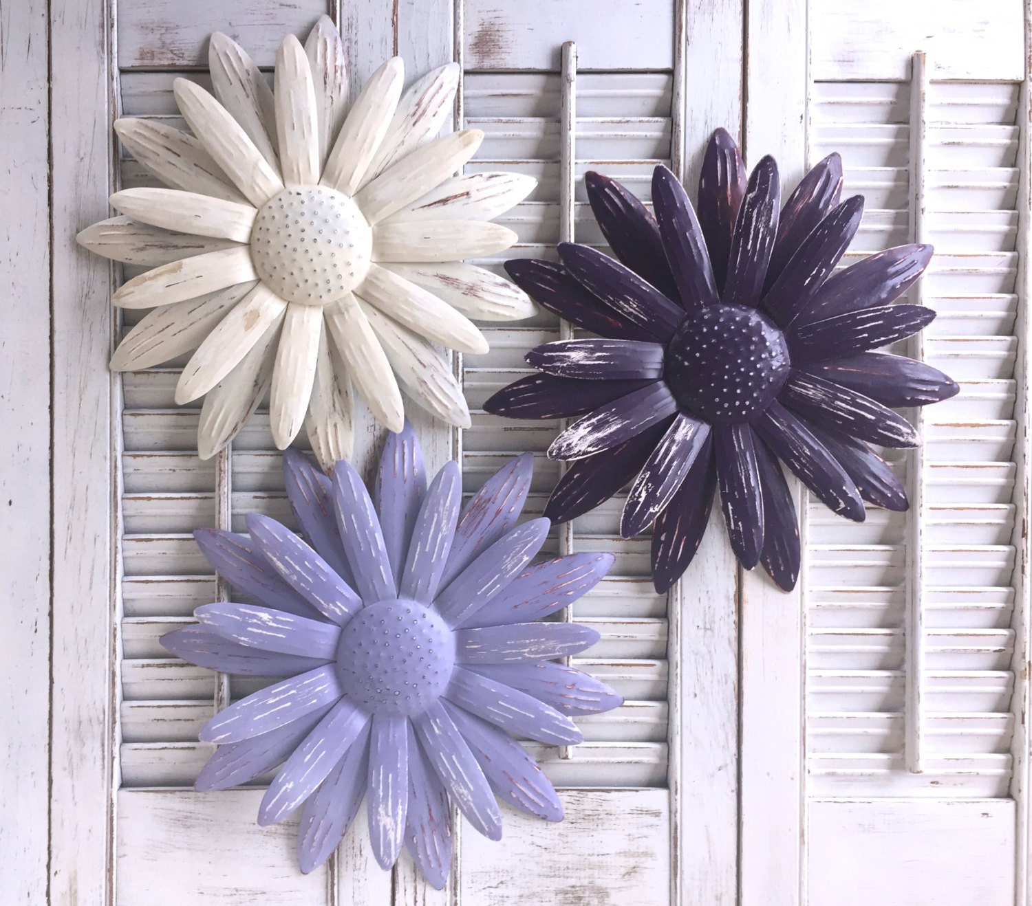metal flower wall art purple lavender white metal yard. Black Bedroom Furniture Sets. Home Design Ideas