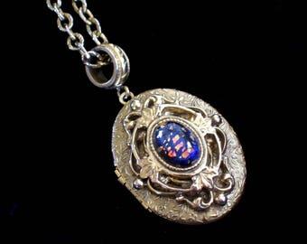 Vintage Whiting Davis Locket, Mother's Day Locket, Dichroic Art Glass, Floral Botanical Goldtone Oval Pendant Necklace, Photo Locket