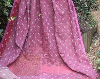KING SIZE Dusky Pink vintage kantha quilt, Kantha throw, Sari blanket, Vintage kantha quilt, Pink Sari throw, Kantha blanket,Boho throw
