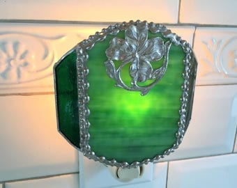 Stained Glass Nightlight|Green|4 Leaf Clover|Good Luck|Home and Living|Lighting|Night Lights|Handcrafted|Made in USA