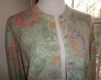 Vintage Pretty Pastel Colored Cardigan Sweater, Made in Italy, Size Medium Woman's in Near Mint Condition made of Wool, Nylon and Angora