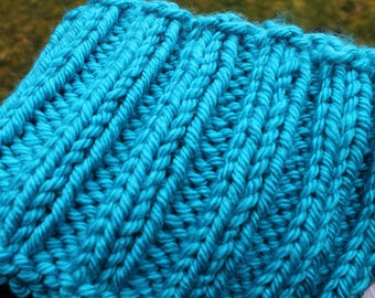 Chunky Hand Knit Infinity Scarf, Aqua, Neck Warmer, Blue, Neck ware, Cowl, Cozy wear, Winter, Acrylic, Lion Brand Yarn