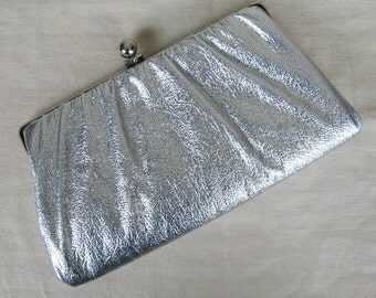 Vintage 1950s Shiny Silver Evening Clutch 50s Metallic Silver Vinyl Clutch