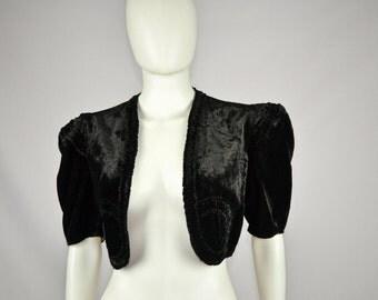 Beautiful 30's 40's Structured Shoulder Silk Velvet Bolero Jacket Shrug One Size