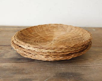 Vintage Wicker Chargers for Paper Plates Picnic Patio Dining Summertime Al Fresco Dining