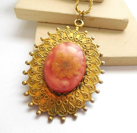 Vintage Glass Dome Yellow Pressed Flower Peach Pink Backing Pendant Necklace M4
