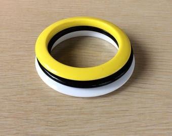 Plastic Bangles  • Bracelet Set • Black Yellow and White Bangles • Plastic Bracelets • Retro Jewelry