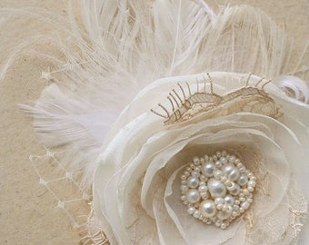 Wedding Headpiece, Bridal Hair Flower, Vintage Wedding Flower Hairpiece, Rustic Hair Flower, Champagne, Ivory, Beige, Lace, Pearls, Feathers