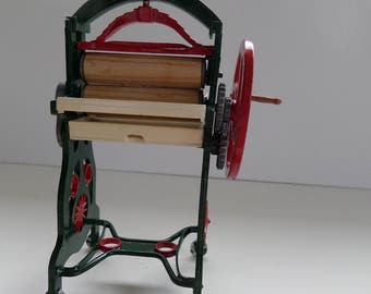 Victorian Mangle for a 1:12th Dolls House