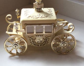 Jewelry box, vintage musical jewelry box, horse and carriage, Hollywood Regency