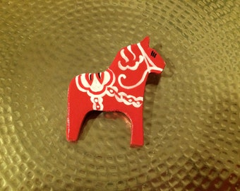 Wooden Swedish Dala Horse Pin, Swedish Dalahorse Woodcarving, Dalahäst Brooch