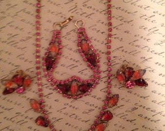1940 Set of Cranberry 3 Piece Jewelry, Choker, Bracelet  and Earrings