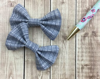 Grey patterned bows, set of 2