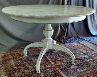 Thomasville White French Hollywood Regency Round  Dining Table with Single Leaf