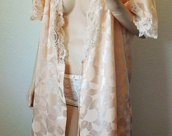 ON SALE Vintage Leaf Pattern Peach Satin Robe with Lace Trim - Small