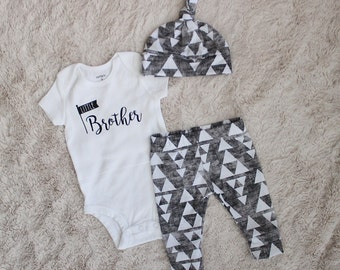 Little Brother Outfit, Baby Boy Take Home Outfit, Baby Boy Leggings, Triangle Leggings, Triangle Outfit