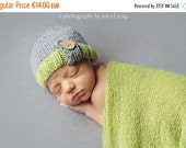 SALE 20% Newborn knit hat-Baby wool hat with tassell and wood button-many sizes and colors-Photography prop-winter hat