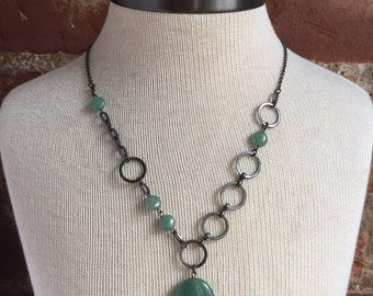 Asymmetrical aventurine necklace // asymmetrical necklace // asymmetry