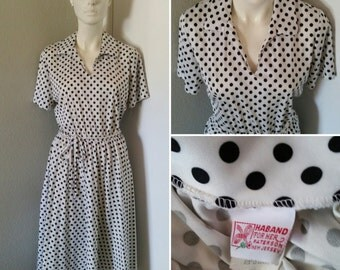 Vintage 70s does 50s flirty polka dot dress swingster swing dress accordion pleat medium