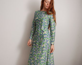 70s small long sleeve thin polyester green and blue floral print tapestry long dress womens vintage clothing 1970 1960 boho hippie festival