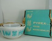 Pyrex Butterprint Blue Nesting Mixing Bowls with Original Box