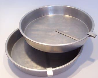 Pair of 9 Inch Aluminum Slider Cake Pans