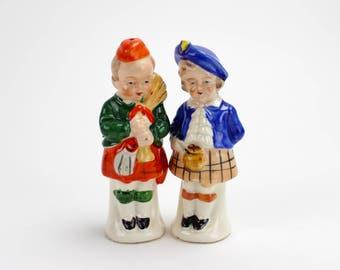 Vintage Scottish Boy Girl Salt Pepper Shakers, Japan Ceramic, Traditional, Scotland, Kilts, Wedding Cake Topper, Kissing Couple, Epsteam