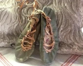 Vintage 1930-1940's Ballet Slippers