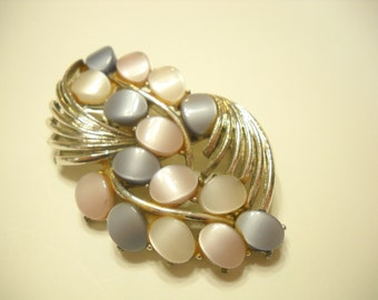 Vintage Silver Tone Thermoset Brooch (9438) Lavender, Pink, & White Thermoset