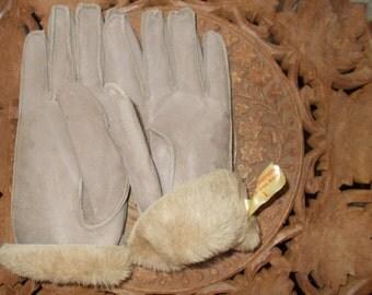 Vintage  Ladies Sheep Skin Gloves
