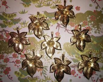 8 Goldplated Leaf Canadian Leaf Maple Leaf Pendants