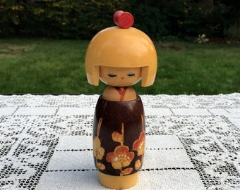 Kokeshi Doll / Japanese Wood Doll / Japan Kokeshi Doll / Vintage Kokeshi / 6 in Tall/Handmade Doll/ Creative Kokeshi