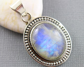 Rainbow Moonstone Pendant, 925 sterling silver pendant, Silver Pendant, Pendant for Necklace, Rainobow Moonstone, Artisan Pendant, (SP-7017)