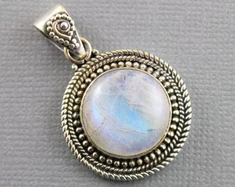 Rainbow Moonstone Pendant, 925 sterling silver pendant, Silver Pendant, Pendant for Necklace, Rainobow Moonstone, Artisan Pendant, (SP-7049)