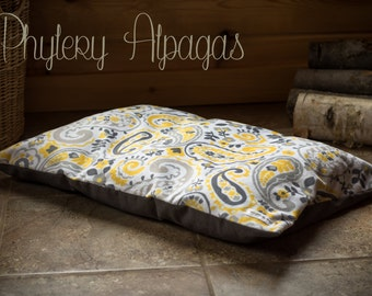 Dog beds small cat bed alpaca fiber insert, white, Yellow. lit pour chat et chien avec bourre en fibre d'alpaga, gris, blanc et jaune