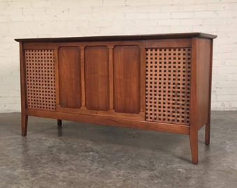 Mid-Century Modern Stereo Console Radio / Record Player / Credenza / TV Stand ~ Shipping NOT Included