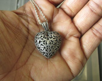 Vintage Sterling Silver Filigree Puffed Heart Pendant Necklace