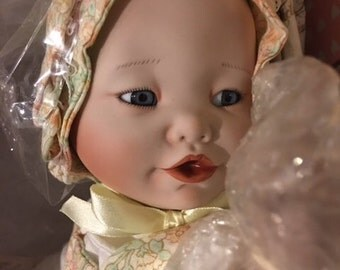 """Never Removed from the Box Yolanda Bello Perfect Babies """"Lisa"""""""