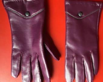 Vintage 60's purple  faux leather ladies gloves kid skin