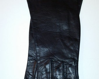 Vintage Gloves 80's Black Lambskin Leather Unlined Wrist Length Made by Superb Made in Italy Size 6 1/2