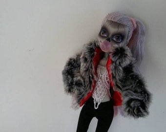 Fur Coat and Black Skinny Pants for Zomby Gaga Monster Ever After Dolls